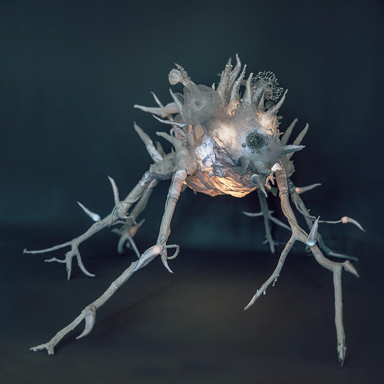 Brouk — snový svítící objekt Evy Spacelights Nečasové